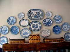 Blue plate collection on the dining room wall. Looks like a nice way to use the blue willow : ) Flow Blue China, Blue And White China, Love Blue, Dining Room Blue, Dining Room Walls, Blue Kitchen Accessories, Coffee Accessories, Plate Collage, Blue Dishes