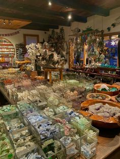 Crystals And Gemstones, Stones And Crystals, Crystal Room, Crystal Aesthetic, Images Esthétiques, Witch Aesthetic, Crystal Healing Stones, My New Room, Aesthetic Pictures