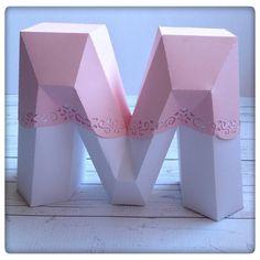 E porque os pequenos pormenores fazem toda a diferença...este deu-nos bem o que fazer! #babygirl #baptism #m #maggie #pink #party #lettering