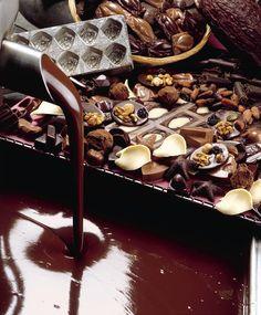 België is wereldwijd bekend om zijn chocolade en dan in het bijzonder om zijn pralines. Geniet van de heerlijkste chocolade! #Belgie #Chocola #stedentrip
