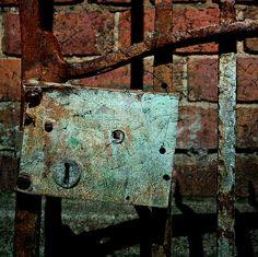 Rusty Lock by davydubbit