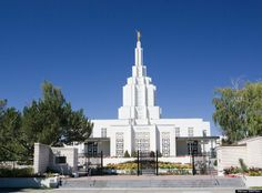 idaho falls temple - The 8th operating LDS temple, Idaho Falls Idaho Temple was dedicated in 1940. It was the first temple designed with a central spire, and was inspired by a vision of an ancient Nephite temple that architect John Fetzer saw while praying for guidance.