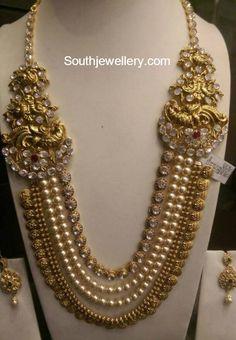South Sea Pearls and Polki Kasu Mala - Jewellery Designs Indian Wedding Jewelry, Indian Jewelry, Bridal Jewelry, Gold Jewelry, Indian Bridal, Gold Bangles, Jewelery, Indian Jewellery Design, Jewelry Design