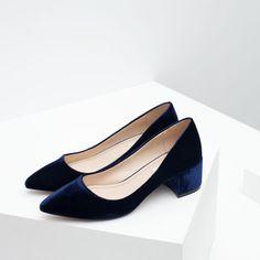 Sapato - Scarpin Salto Médio - Veludo - Azul