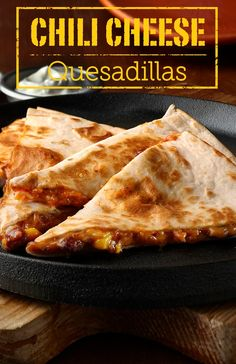Chili Cheese Quesadillas – Here is a quick and easy quesadilla recipe that everyone will enjoy! They're perfect for night when you are in a pinch for time.