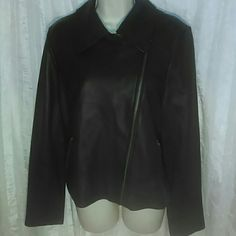 BAGATELLE LEATHER JACKET-SIZE L-NWOT -Bagatelle Leather Jacket -Size Large -Brand New, Never Worn -Super Soft Leather -Zippers at wrists -Two zippered pockets in front -Zipper down front -Fully lined -Extremely Nice Looking -100% Leather -Lining: 100% Polyester Bagatelle Jackets & Coats