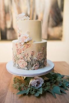 30 Rustic Wedding Cakes For The Perfect Country Reception - - Do you planning a country wedding? Do you have a cake in mind? We have a wonderful list of rustic wedding cakes fresh ideas. Blush Wedding Cakes, Floral Wedding Cakes, Wedding Cake Rustic, Wedding Cake Designs, Gown Wedding, Wedding Reception, Wedding Dresses, Painted Wedding Cake, Cake Wedding