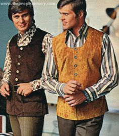 1970 Ladies' and Men's Fashion Clothing From 1970 at the beginning of the for Ladies dresses, skirts and blouses and mens clothing styles etc Men's Fashion, Mens Fashion Suits, Retro Fashion, Vintage Fashion, Fashion Outfits, Disco Fashion, Vintage Man, Latex Fashion, Vintage Stuff