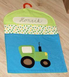 Kapsář na ramínko do školky - Traktor Pot Holders, Kids Room, Lunch Box, Organizers, Room Kids, Potholders, Nurseries, Nursery