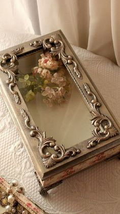 Can place a small painted canvas piece glued down and embellish to hide edges Decorated Wine Glasses, Hand Painted Wine Glasses, Decoupage Box, Decoupage Vintage, Metal Embossing, Altered Bottles, Pretty Box, Wine Bottle Crafts, Keepsake Boxes