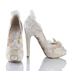 Wedding shoes with lace and diamond details