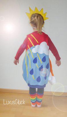 .... way up high .... Da scheint ganz bestimmt die Sonne :-) !? So knapp eine Woche nach Karneval ist es noch OK das Kostüm meiner klein...