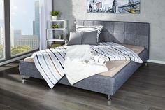 """Unsere Erholung erlangen wir am besten in einem komfortablen, auf uns ausgerichteten Bett. In unserem Design Bett """"BARCELONA"""" entdecken Sie die harmonische Verschmelzung von edlem Kunstleder Design mit exklusiven Schlafkomfort. Der hochwertige Strukturstoff fügt sich in jedes Ambiente problemlos ein und lässt den Raum in einem neuen Glanz erstrahlen. Robustheit und Pflegeleichtigkeit machen diese Stoff zu einem der beliebtesten Bezüge für Mobiliar."""