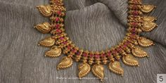 Gold jewelry Necklace Gemstones - Gold jewelry Simple Bracelets - Modern Gold jewelry Videos - Gold jewelry Indian Breslet - Rose Gold jewelry Formal - Gold jewelry For Women Indian Jewellery Design, Latest Jewellery, Indian Jewelry, Jewelry Design, Indian Gold Necklace, Ruby Necklace, Necklace Set, Earrings, Gold Jewelry Simple