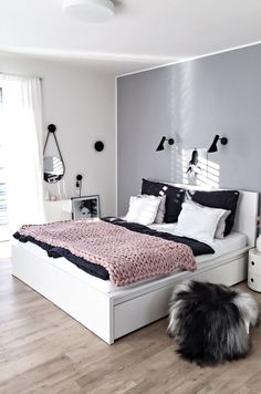 Minimalist Bedroom Storage Rugs minimalist home tips white bedrooms.Minimalist I. Minimalist Bedroom Storage Rugs minimalist home tips white bedrooms.Minimalist I. Bedroom Decor For Couples Small, Small Space Bedroom, Small Master Bedroom, Small Room Decor, Small Spaces, Decor Room, Bedroom Ideas Master On A Budget, Master Bedrooms, Small Small
