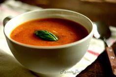 Retete de Colectie: Supa crema de legume - O supa crema de legume, perfecta pentru a va incalzi sufletul in zilele acestea reci. Ce va puteti dori mai mult decat o supa crema calda care sa va asigure aportul de vitamine si energie pentru intreaga zi?