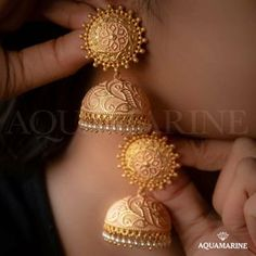 Check Out These Small (& Stunning) Gold Necklace Designs Gold Jhumka Earrings, Gold Bridal Earrings, Jewelry Design Earrings, Gold Earrings Designs, Necklace Designs, Gold Necklace, Jhumka Designs, Fancy Earrings, Jewelry Necklaces
