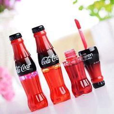 This Cola-coca lip gloss packaging is so cute! Gloss Labial, Aesthetic Makeup, Cute Makeup, Makeup Geek, Makeup Kit, Lip Care, Skin Makeup, Eyeshadow Makeup, Eyeshadow Palette