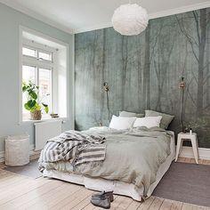 Vill klä hela sovrummet med denna tapet - SKOG av Sandberg & Friends ❤️