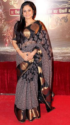 Toral Rasputra poses on the red carpet of Indian Television Awards 2013.