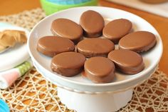 Wannabe Reese's Peanut Butter Eggs via Blog is the New Black