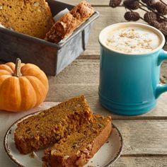 Coffee with pumpkin bread and little pumpkin