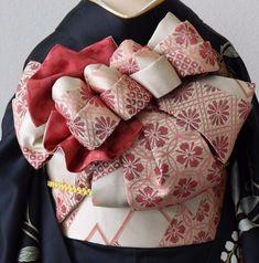 イメージ 5 Traditional Kimono, Traditional Fashion, Traditional Dresses, Japanese Yukata, Japanese Outfits, Modern Kimono, Wedding Kimono, Kabuki Costume, Kanzashi
