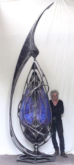 Giant kinetic, organic shaped metal sculptures by Patrice Hubert Patrice Hubert is an artist from France creating giant, organic shaped kinetic… Metal Art Sculpture, Steel Sculpture, Bronze Sculpture, Art Nouveau, Jugendstil Design, Sculptures Céramiques, Metal Tree Wall Art, Kinetic Art, Wow Art