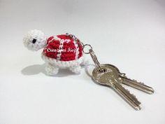 CROCHET - KEYCHAIN / PORTE-CLE / SLEUTELHANGER - Crochet Pattern amigurumi turtle crochet keychain