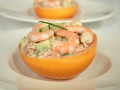 Tartare pamplemousse-avocat-crevettes, citron vert & wasabi - In Tartiflette I Trust Meat Appetizers, Appetizers For Party, Appetizer Recipes, Polynesian Food, Whisky Tasting, Yummy Food, Tasty, Winter Food, Summer Recipes