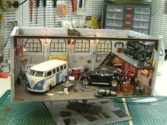 """Volkswagen Custombodyshop"" 1/24 scale. By Wilco Machiels. VW Beetle & Type2. #diorama #model_cars #scale_model"