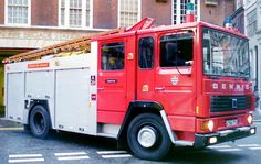 Firefighter Pictures, Old Lorries, Fire Apparatus, Emergency Vehicles, Fire Engine, Police Cars, Fire Department, Ambulance, Fire Trucks