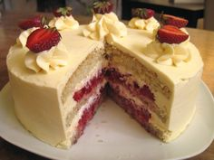 hazelnut genoise, buttercream made using some pastry cream, whipped cream and strawberries. Strawberry Cream Cakes, Strawberry Filling, Strawberry Desserts, Strawberries And Cream, Cake Frosting Recipe, Frosting Recipes, Genoise Cake, Whipped Cream Frosting, Cake Fillings