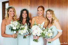 Bride and her maids 🌸 Wedding flowers, bridal bouquet Floral Wedding, Wedding Flowers, Bridesmaid Dresses, Wedding Dresses, Bridesmaids, Floral Design, Bouquet, Bridal, Beach