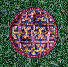 Shipibo textile Ancient Fish, Peruvian Art, Peruvian Textiles, Indigenous Tribes, Mexica, Celtic Art, Naive Art, Sacred Art, Sacred Geometry