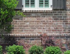 A corbelled rowlock accent band is a small but stylish addition to a brick wall. http://insistonbrick.com/
