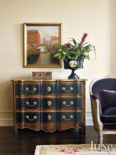 Die Tenzing - Luxus Apartment Homes in Westminster Vintage Industrial Furniture, Upcycled Furniture, Cool Furniture, Living Room Furniture, Living Room Decor, Furniture Ideas, Furniture Stores, Painted Furniture, Living Rooms