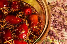 Marinated Olives in Herbes de Provence #marinatedolives #herbesdeprovence #olives