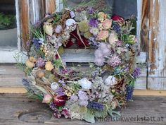 Dry Flowers, Advent Wreath, Summer Wreath, Floral Designs, Birthday Presents, Hobbies And Crafts, Diy Jewelry, Flower Arrangements, Floral Wreath