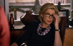 Diane Lockhart, a musa dos colares e toda sorte de artifícios que trazem atenção ao rosto