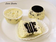 Little Chef and I: Oreo Cookie Cupcakes  I made these... they were awesome.  Little oreo cheesecakes
