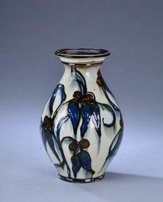 Herman A. Kähler, vase. | Lauritz.com
