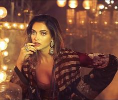 SMOKING HOTTT! Deepika Padukone in Sabyasachi for Vogue November ❤️