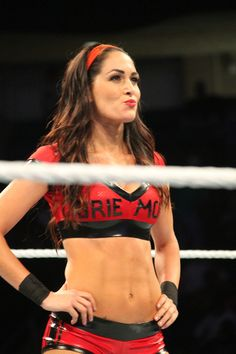 WWE Smackdown: Brie Bella attacks The Miz, New Day win titles. The rivalry between The Miz and Daniel Bryan continued Tuesday on Smackdown Live, as Bryan's wife Brie Bella got involved in the conflict. Brie Bella Wwe, Nikki And Brie Bella, Bella Sisters, Wwe Total Divas, Wwe Couples, Wwe Women's Division, Wwe Girls, Wrestling Divas, Wwe Womens