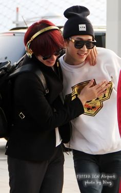 Heechul with Henry - Incheon Airport (to Malaysia)
