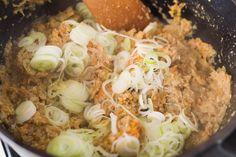 低カロリーで栄養満点な、おから煮を作りましょう。そのおいしさでご飯をおかわりしたくなる大人気のおそうざいです。お弁当のおかずにも大活躍します。