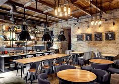 Bottega Wine and Tapas by Kley Design Studio kiev restaurant bar bottega wine ta… Bottega Wein und Tapas von Kley Design Studio Kiew Restaurant Bar Bottega Wein Tapas 12 Pub Design, Coffee Shop Design, Design Studio, Wine Bar Design, Pizzeria Design, Bistro Design, Design Art, Tapas Restaurant, Luxury Restaurant