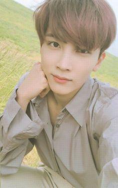 Jeonghan is so cute im so - Modern Woozi, Mingyu Wonwoo, Kpop, Day6 Sungjin, Vernon Chwe, Hip Hop, Jeonghan Seventeen, Seventeen Scoups, Choi Hansol