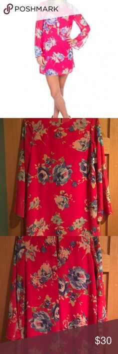 NWT EVERLY pink floral lightweight dress size M NWT EVERLY pink floral lightweight lined dress with sheer long sleeves with a slit (approx 6.5 inches long) on each arm from hand area and up. size M Everly Dresses Midi
