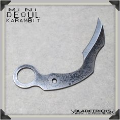 An almost finished Bladetricks Mini Deoul kaambit waiting to be cord wrapped